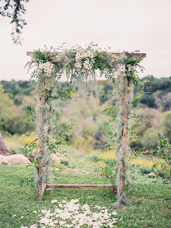 20 Easy DIY Floral Wedding Arch Decorations